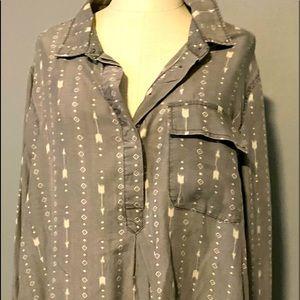 NWT WOMANS 1/4 button shirt